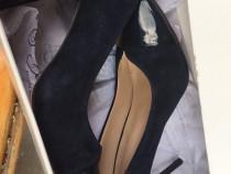 Pantofi Clarks și pantofi Benvenuti