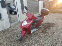 Honda 125 cm din 2004