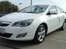 Opel astra j 2012 , motor 2000-165 cp proprietar in acte