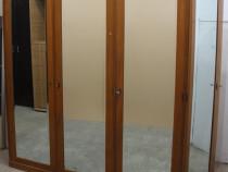 Sifonier vintage de colt cu 4 usi; Dulap lemn masiv cu oglin