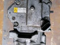 042200-1330 40440306 Compresor AC Toyota Yaris hibrid 1.8
