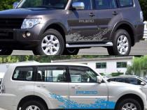 Set 2 stikere autocolante usi laterale Mitsubishi Pajero