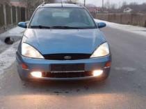 Dezmembrez Ford Focus 1.6 benzină
