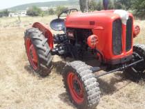 Tractor fiat 411 , in 4 pistoane cu plug 2 brazde impecabil