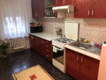 Apartament 4 camere decomandat zona Sensul Vechi