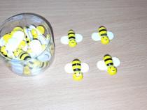 Albinuțe din lemn cu adeziv.
