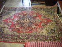 Covor persan cu lana in compozitie