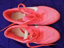 Nike marimea 37