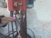 Bormasina coloana cu masa hidraulica
