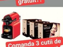 3 cutii cu capsule plus aparat de cafea cadou