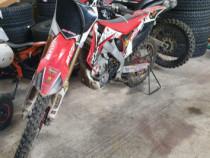 Motocicleta Honda CRF 250