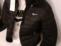 Geaca Nike cu tricou cadou