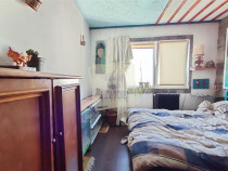 Apartament 3 camere decomandat si balcon in zona Vasile Aaro