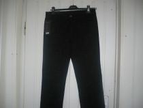 Pantaloni de catifea jeans