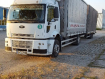 Camion Ford plus remorca