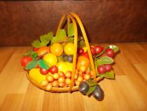 Fructe din plastic, vintage, in stare foarte buna