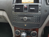 Radio CD player original Mercedes C220 W204