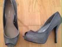 Pantofi cu toc Zara noi