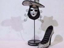 Set 2 suporturi bijuterii - masca si pantof