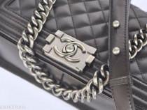 Genti Chanel accesorii argintii