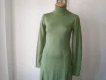 Rochie dama tricotata, casual, mar 40, in stare foarte buna!