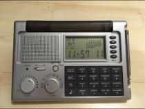 Ceas birou cu radio,calculator,calendar,deosebit,impecabil
