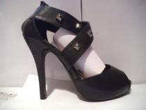 Pantofi cu platforma si tinte