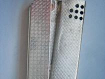 3142-Bricheta mana metal veche din metal cu cerculete. Stare
