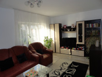 Apartament 3 camere decomandat,et.1, Nord, Bacau