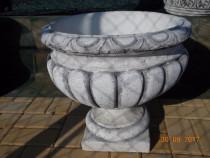 Ghiveci din ciment marmorat