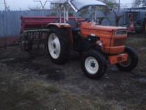 Tractor Fiat 4x2 cu semicabină