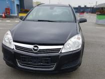 Opel Astra An 2010 . Model nou Face Lift . Scaune Incalzite