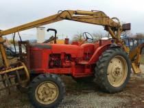 Tractor cu brat incarcator
