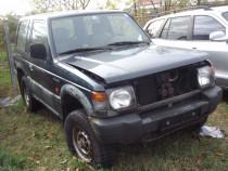 Dezmembrez Mitsubishi Pajero 2.5td 1997 3 usi Pajero 3.2 V6