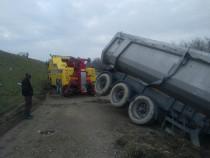 Tractare camioane si autobuze  , tractari tiruri , remorcare