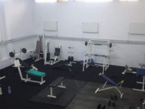 Sala fitness completa