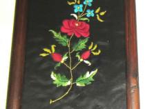 Tablou flori brodate