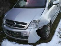 Opel meriva accidentat
