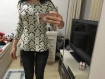 Bluza c and a, alb cu negru, xs, noua cu eticheta