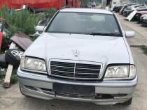 Dezmembrez Mercedes C-classe w202 s202 C220 CDI automat