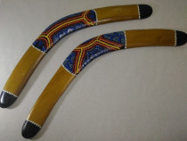 Bumerang australian din lemn pictat