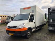 Transport national/international masina 3.5 tone cu lift