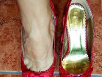Pantofi rosii cu fundita si toc gros