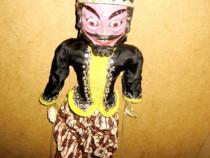 10075-Papusa mare de teatru si pantomima orientala in costum