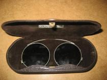 A104-Ochelari vechi metal in cutie marca Kriewitz stare F.B.