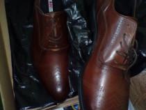 Pantofi piele maro, marime 42, absolut noi in cutie