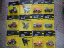 Jucării noi sigilate tractoare, avioane, mașini, camioane