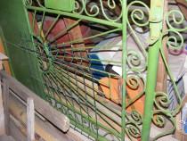 Poarta pietonala + un panou de gard, din fier forjat