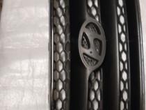 Grila radiator cu defect Hyundai Santa Fe