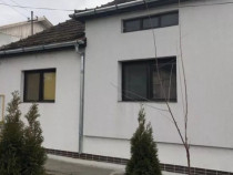 Casa 3 camere + 11 ari teren str. Dara Semicentral